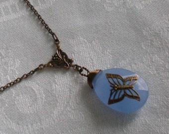 oO PAPILLON BLEU Oo glass briolette brass necklace