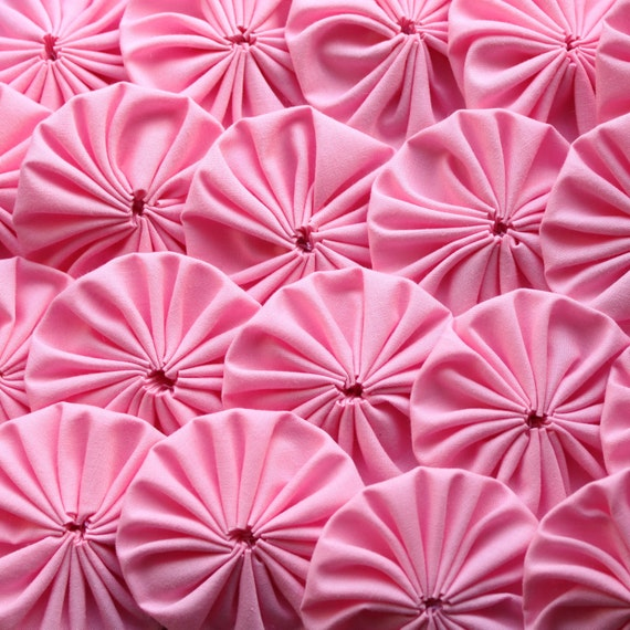 20 pcs Pink Cotton YoYo Appliques to make quilt or use just like applique or embellishment