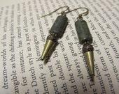 Adventurous earrings in serpentine and brass