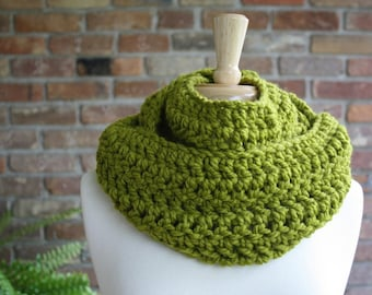 Infinity Wrap Cowl Chunky Neckwarmer Scarf Lemongrass Green