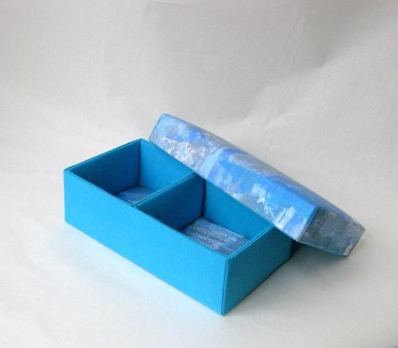 Box oblong blue gray fabric lined danish
