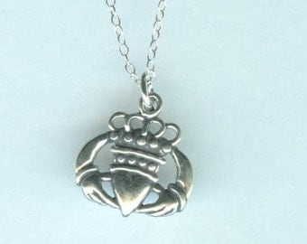 Sterling CLADDAGH HEART Pendant AND Chain