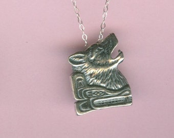 Sterling WOLF Pendant AND 22 InchChain - SW, Totem, Wolves