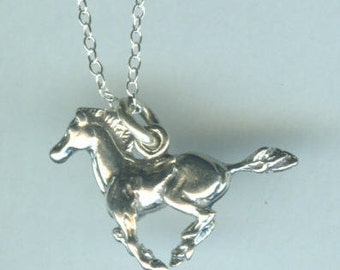 Sterling MUSTANG HORSE Pendant AND Chain - Really Stunning - 3D