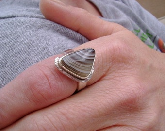 Botswanna Agate Ring set in Sterling Silver - Size 7.25