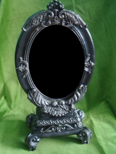 Scrying Mirror On A Stand