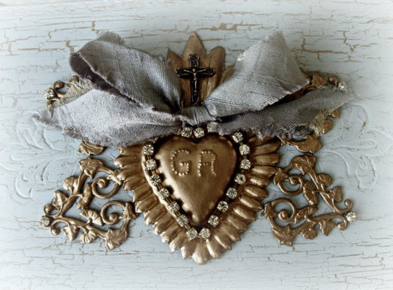 GRACES RECEIVED - shabby chic Sacred Heart ex voto treasure box