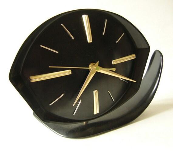 Original 1950 Vintage Bakelite table/wall clock