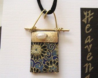 japanese washi chiyogami origami paper 14 karat gold pendant with freshwater pearls by cra1nes on etsy