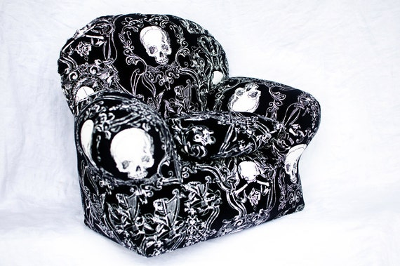 Doll or Teddy Bear Chair in Black Skull Print