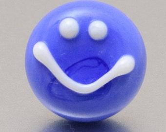 Lapel pin - Smile :-) blue - lampwork glass