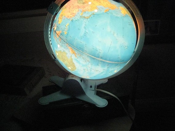 SALE SALE Vintage Light Up Globe The perfect night light