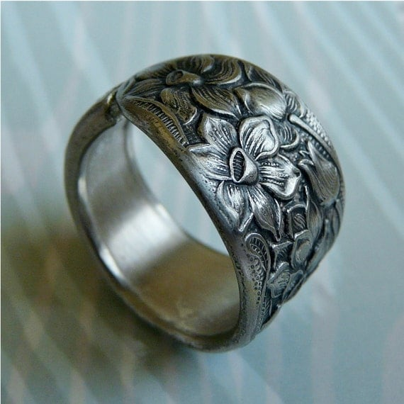 Spoon Ring, Antique Silver Pattern: Narcissus