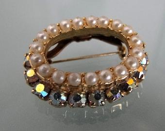 Vintage Brooch, Womens Brooch Pin, Pearl Brooch, Elegant Vintage Brooch