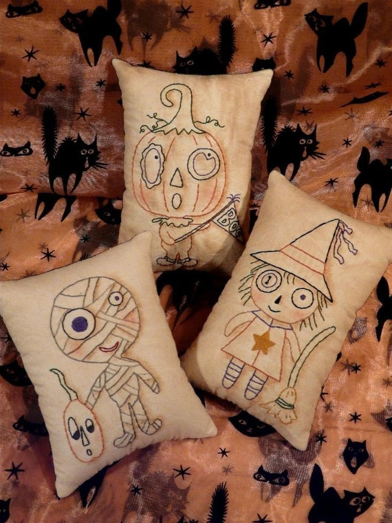 Halloween Monster Mash embroidery PDF Pattern - primitive stitchery witch Mummy Pumpkin Man pillow boo pin keep cushion tuck