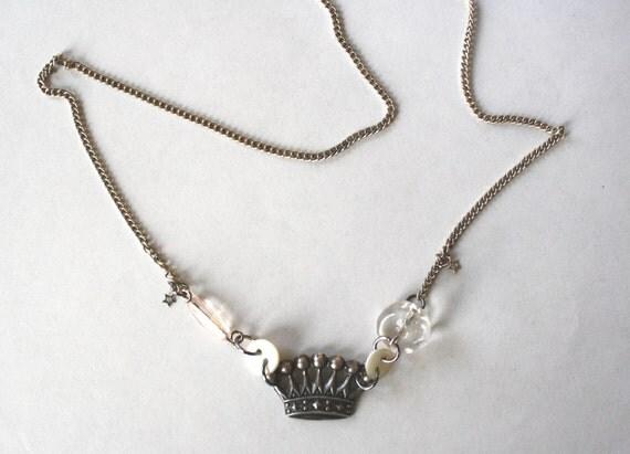 Little Crown Necklace