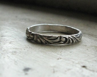 Narrow Renaissance Pattern Ring - available in silver or solid gold