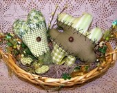 Primitive Shamrock and Heart Ornies Set Et