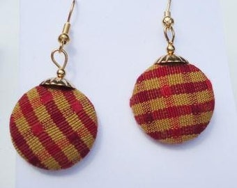 Red Plaid Dangle Button Earrings