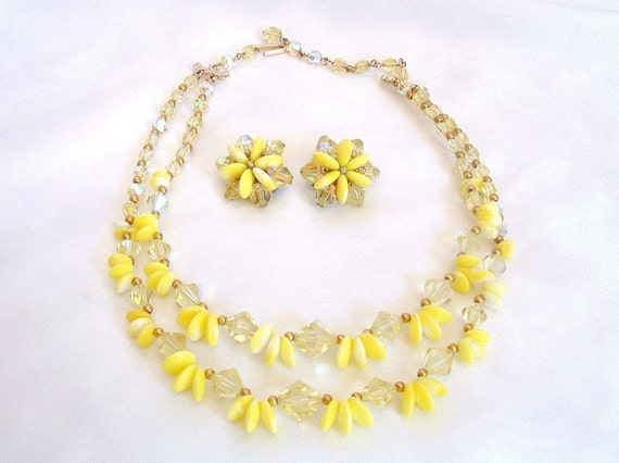 Vintage Crystal Yellow Milk Glass Bead 2 Strand Necklace Earrings Set