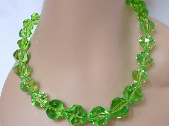 Vintage Lime Green Necklace - Faceted Lucite Beads