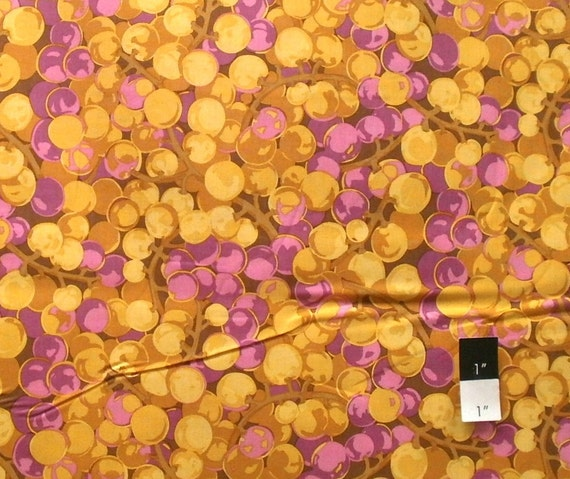Martha Negley MN43 Autumn Medley Grapes Gold Cotton Fabric 1 Yard