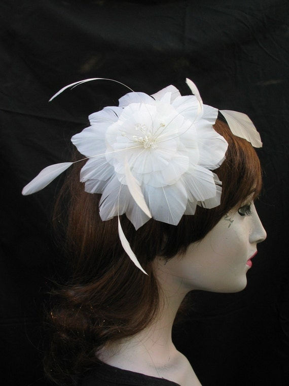 White Feather Flower Comb woth Coque and Crystal  Custom