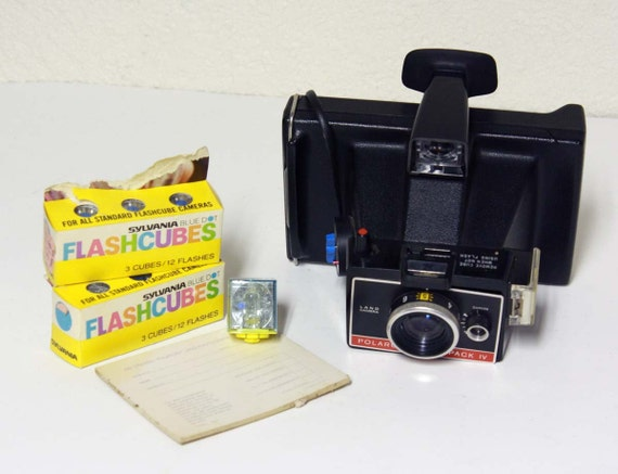 Vintage Polaroid Camera - Land Camera - Colorpack IV - carrying case