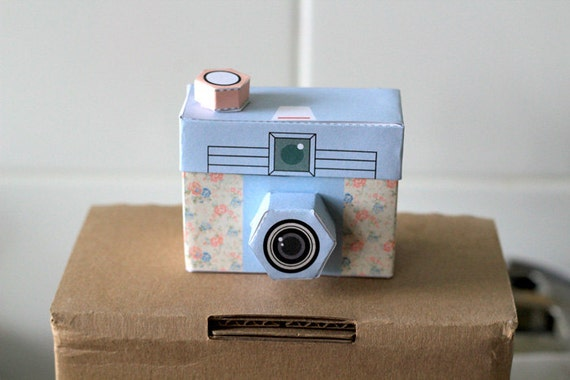Printable 4 cute cameras paper craft project by girliepains for Cute papercraft templates