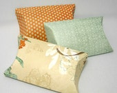 Rerserve to Cup Cake - 3 pillow boxes with tags - Butterfly Nest -