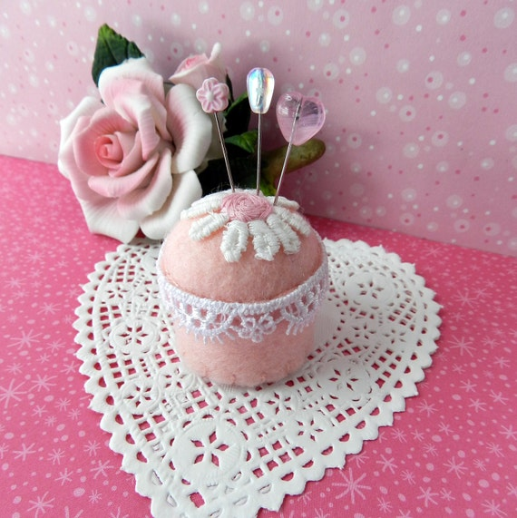 Pink and White Daisy Bottle Cap Pincushion
