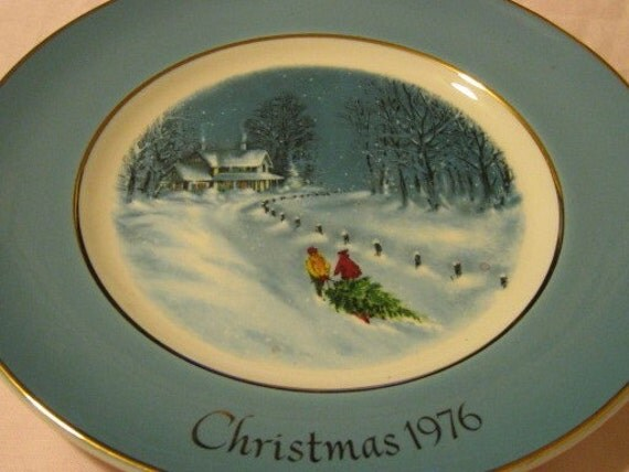 1976 Avon Collectible Christmas Plate  - Bringing Home The Tree