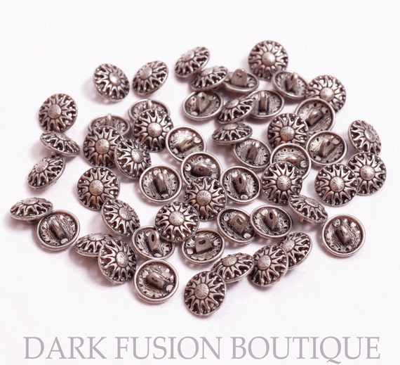 52 Metal Buttons, 15 mm wide