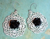 Joelle Earrings with White Lace and Black Roses