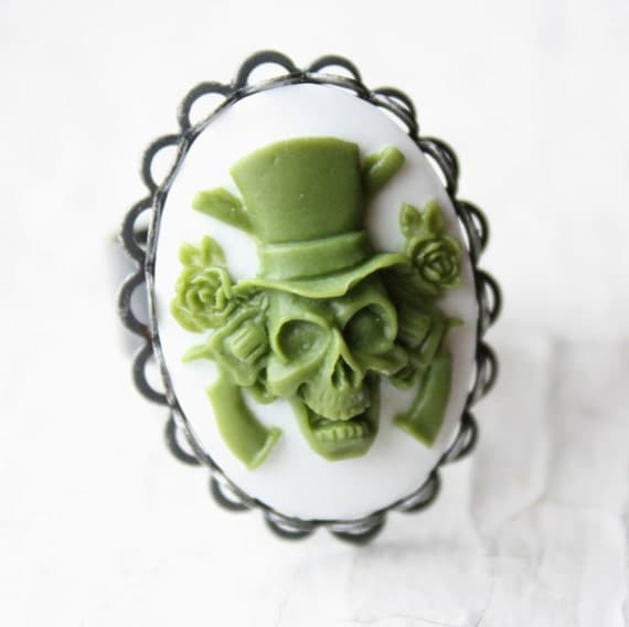 SALE Guns and Roses Green Skull Cameo Ring in Silver