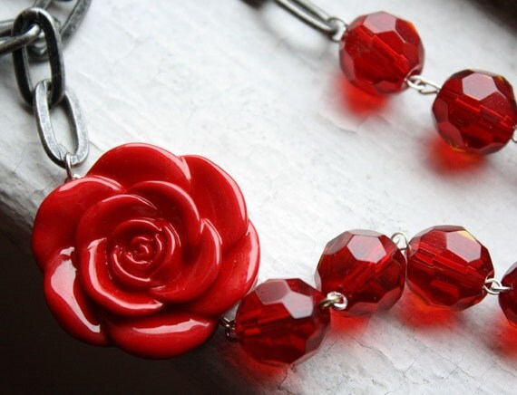 Vampire Red Rose Steampunk Beaded  Chain Necklace