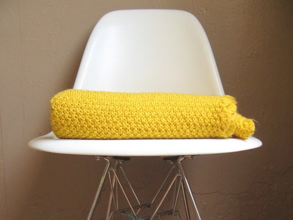 Moss Stitch Knit Lap Blanket with Crochet Shell Edge in Mustard