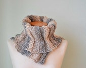 Knitted cowl creme beige asymmetrical striped pattern  G642