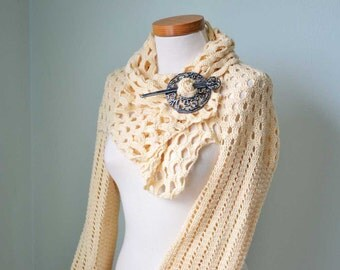 Crochet shrug, Vanilla, soft yellow, C328