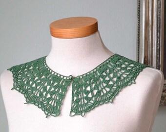 Lace crochet collar, green cotton F566