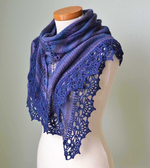 Purple blue knitted shawl with crochet lace trim E425