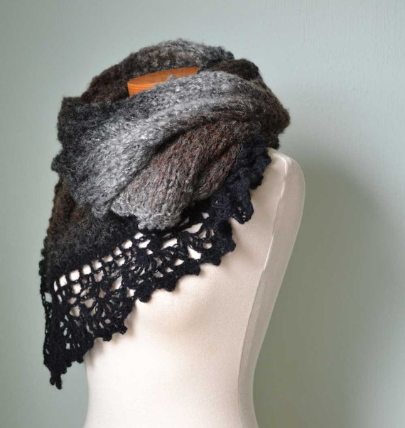 Brown/black knitted stole with lace crochet trim A145