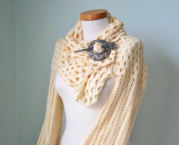 Crochet shrug, Vanilla, soft yellow, C328