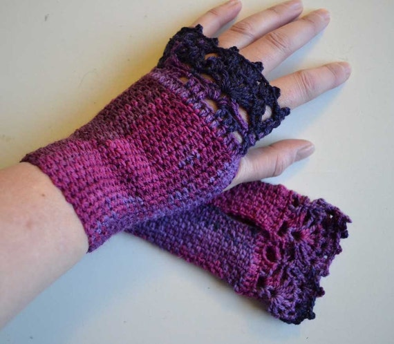 Shades of Purple crochet gloves with lace trim F618