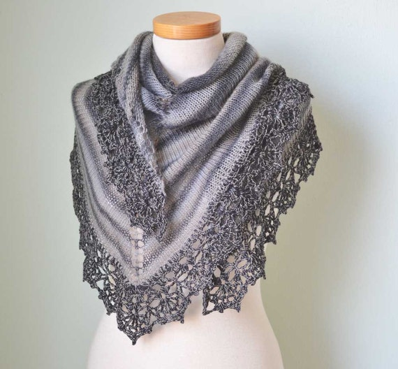 Grey knitted shawl with crochet lace trim D420