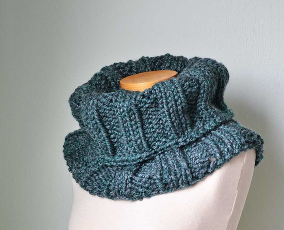 Chunky knitted cowl teal green grey F558