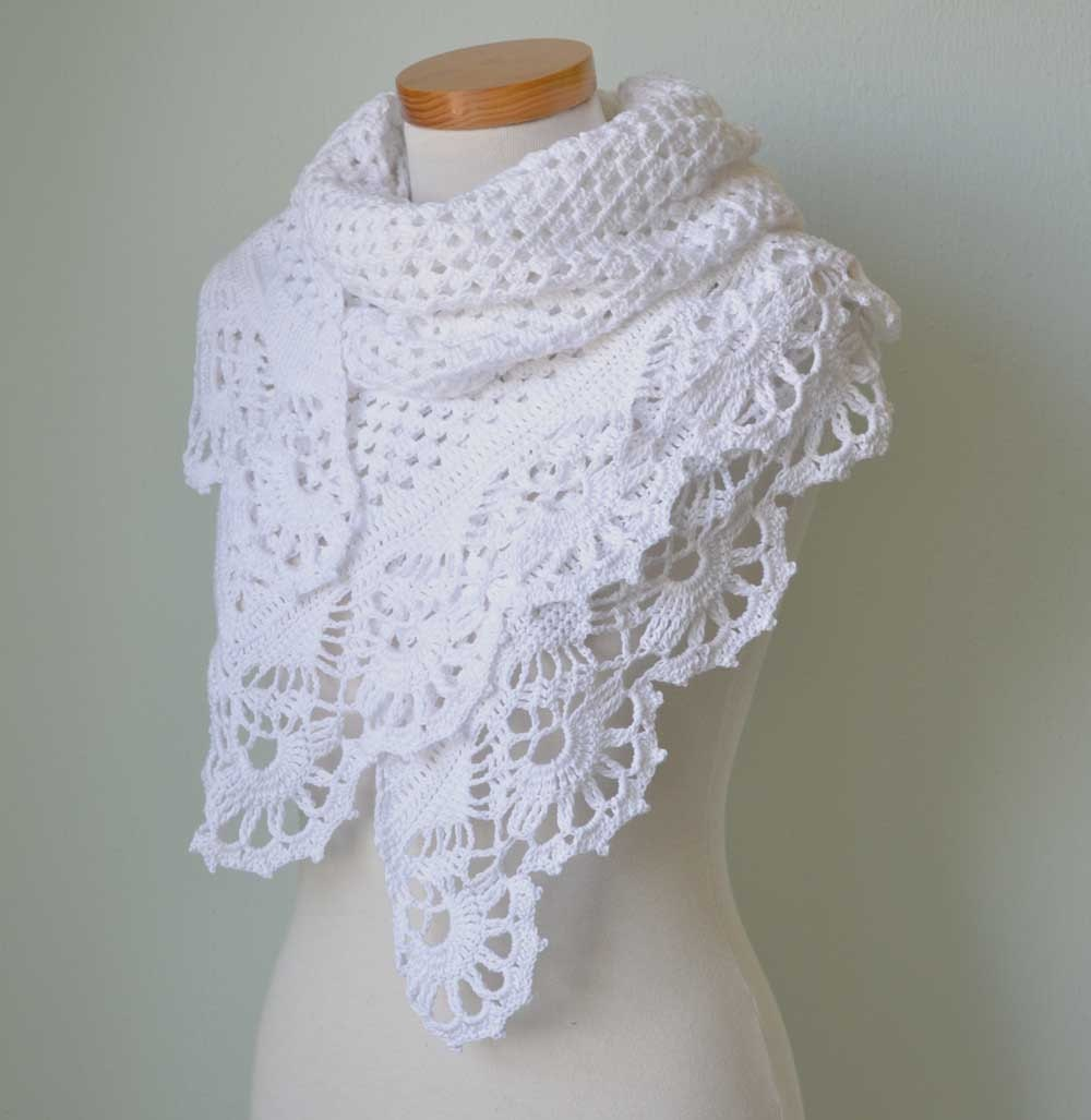 White lace shawl with crochet royal trim G743