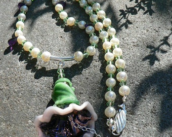 Petunia Pearl Necklace
