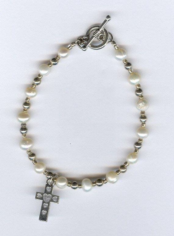 freshwater pearl bracelet with cross charm