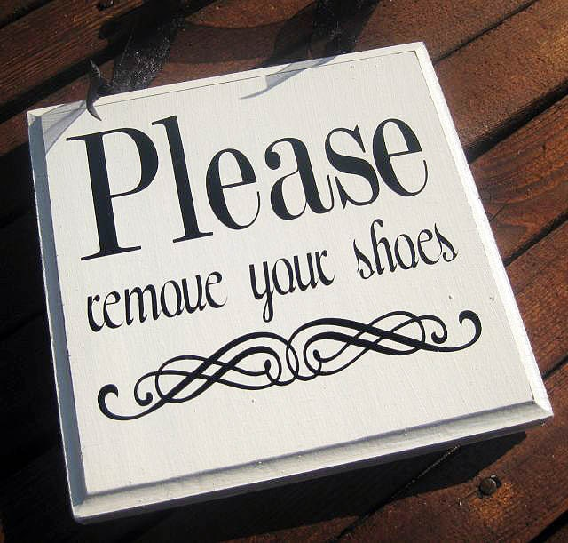 please remove shoes sign please take off your shoes solid. Black Bedroom Furniture Sets. Home Design Ideas